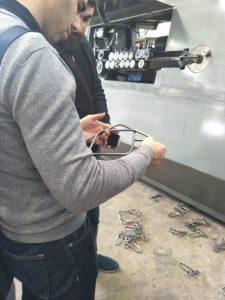 Zákazník navštívi továreň